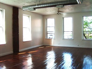 2-Bedroom Historic Apartment on Streetcar Route!!