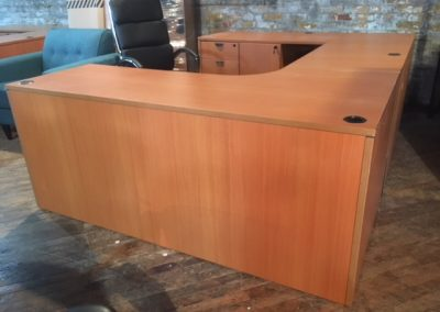09. Cherry Rectangular U-Desk